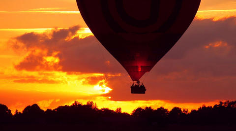Evening ride on a hot air balloon